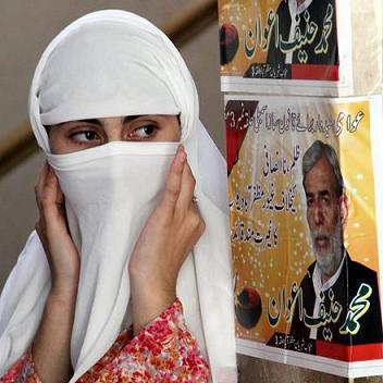 Pakistan: 2,9 milioni elettori al voto nel Kashmir -