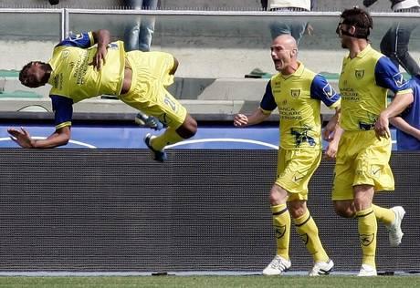 Kevin Constant (s) e' passato dal Chievo al Genoa -