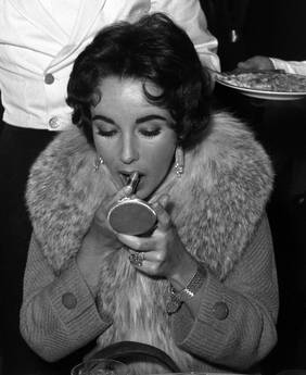Liz Taylor: Cimeli all'asta da Christies -