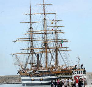 Marina Militare, partita la Amerigo Vespucci -