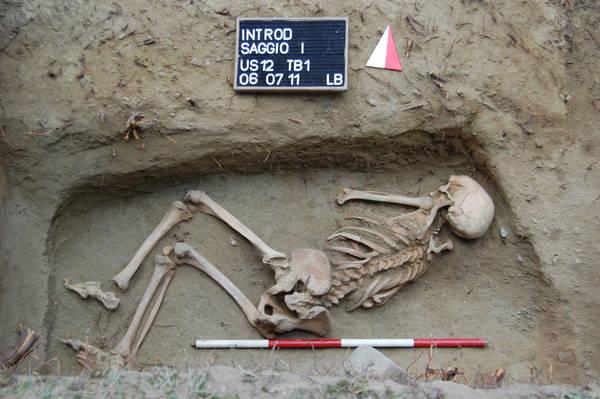 La donna vissuta 5000 anni fa scoperta a Introd -