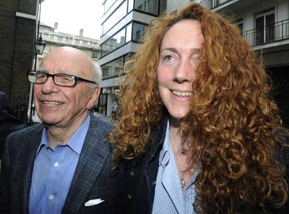 Rebekah Brooks e Rupert Murdoch -