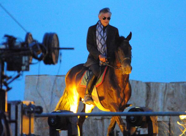 """Andrea Bocelli a cavallo durante Il concerto """"Bravo Italy e China"""" -"""