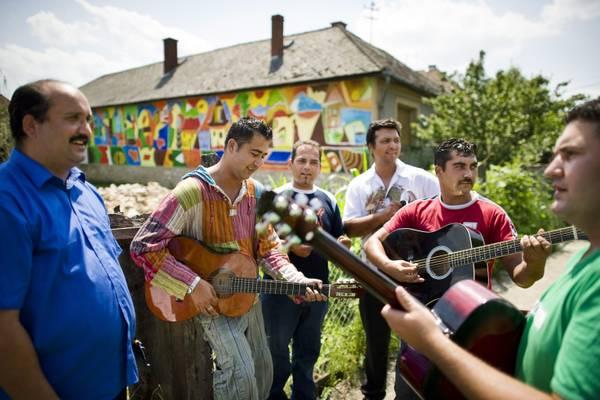 Ungheria, il Festival del drago celebra l'arte Rom -