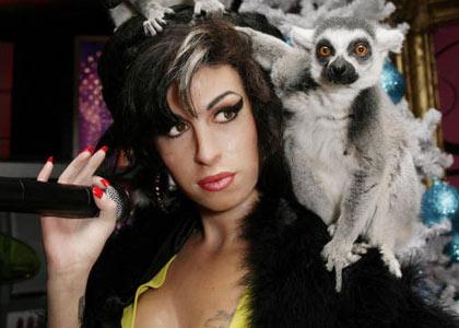 Amy Winehouse: La popstar aveva comprato droga poco prima di morire -