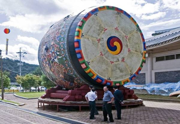 Ecco il tamburo piu' grande del mondo: 6,4 metri il diametro -