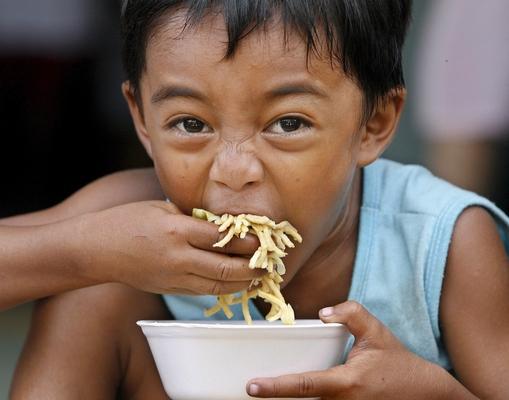 Di molte cose la fame � maestra -