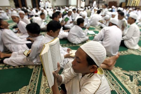 Lettura di massa del Corano in Indonesia -