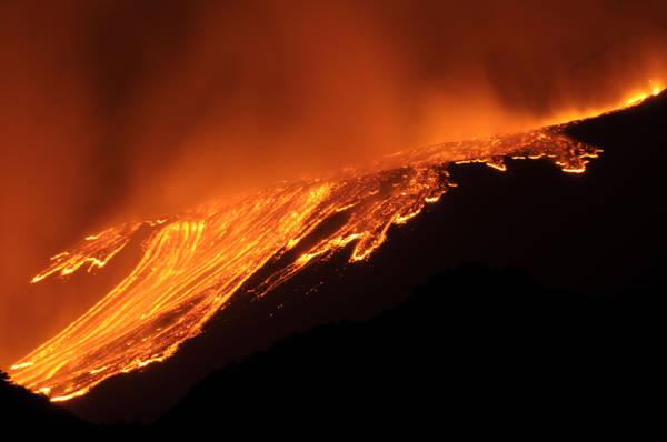 Lo spettacolo dell'eruzione dell'Etna