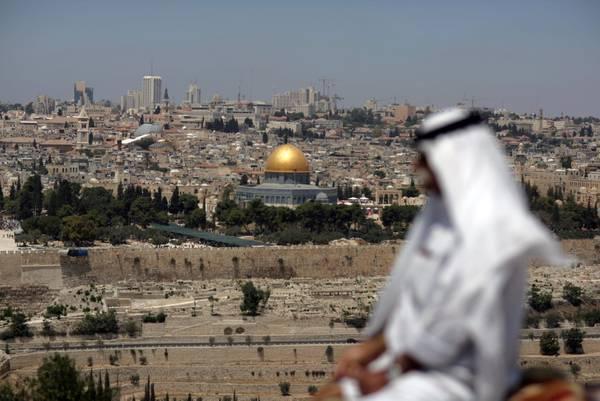 Musulmani accorrono alla moschea di Gerusalemme per Ramadan -