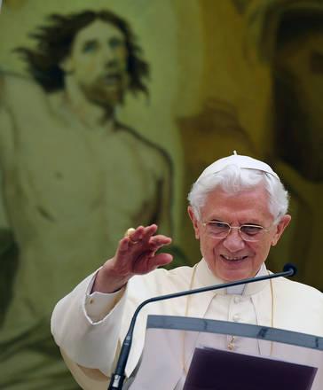 C. Gandolfo, il Papa nel primo Angelus domenicale d'agosto -