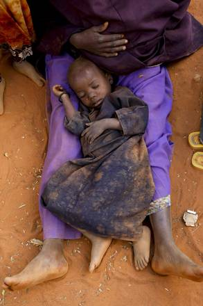 Profughi somali in un campo nel Kenya