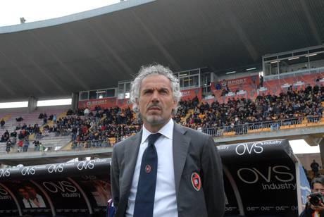 Esonerato Donadoni il tecnico lascia la panchina del Cagliari -
