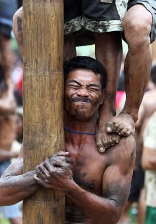 Jacarta: gara arrampicata su palma per giorno indipendenza -