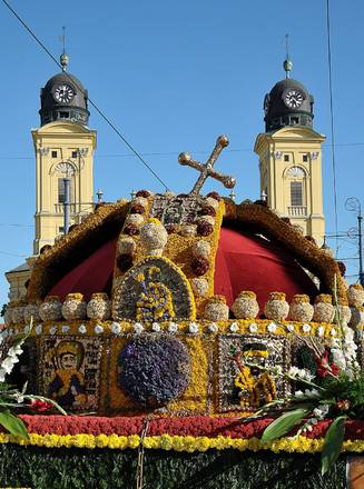 A Debrecen, Corona di fiori per festa nazionale Ungheria -