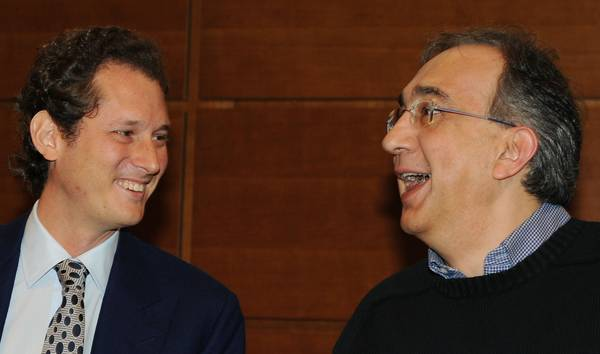 Il presidente della Fiat John Elkann con l'amministratore delegato della societa' Sergio Marchionne