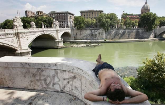 Ferragosto, Roma relax sul Tevere