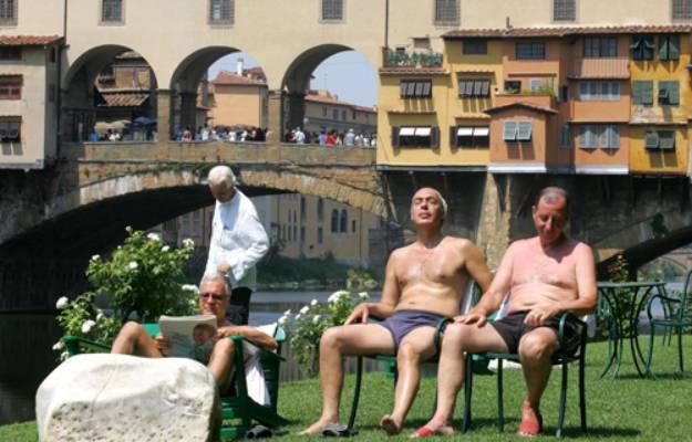 Ferragosto, Firenze relax lungo l'Arno