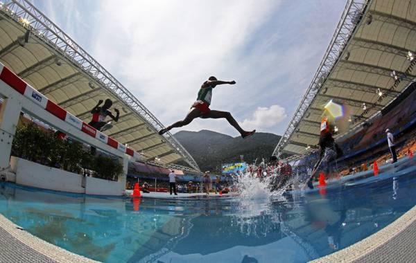 Mondiali atletica, suggestiva immagine dei 3000 siepi -