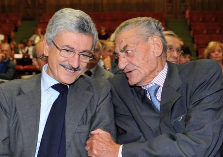 Massimo D'Alema e Mino Martinazzoli in una immagine del 26 settembre 2009 -
