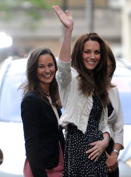 Pippa Middleton, la piu' bella del reame - Con Kate Middleton -
