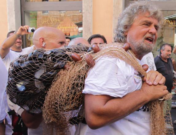 Oggi il 'cozza day' del movimento di Beppe Grillo, a Roma -