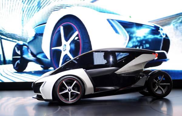 Presentata a Francoforte la Opel Rake, auto elettrica -