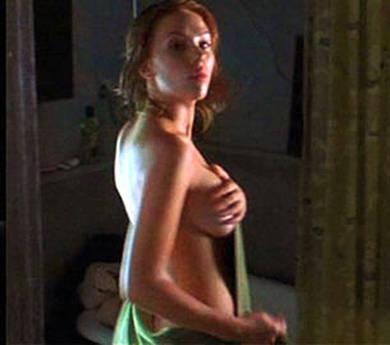 Scarlett Johansson nuda sul web, indaga l'FBI