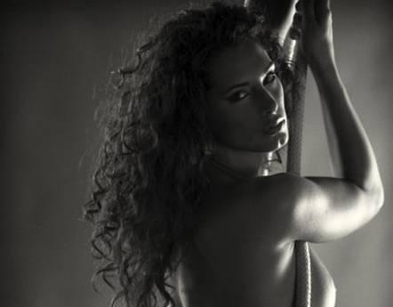 Foto nudo, Raffaella Modugno esclusa -