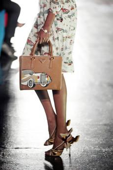 Milano moda In passerella, l'immagine botanico-romantica -