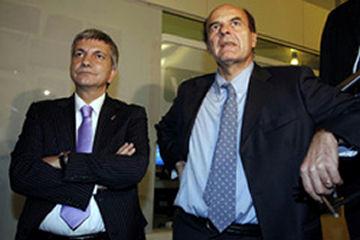 Vendola nudo, foto su 'Il Giornale' e poi critica Berlusconi