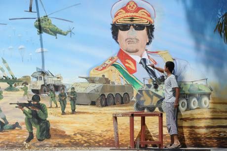 Un murales ritrae Gheddafi -