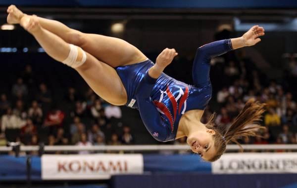 Mondiali ginnastica, le evoluzioni di Agnes Suto, Islanda -