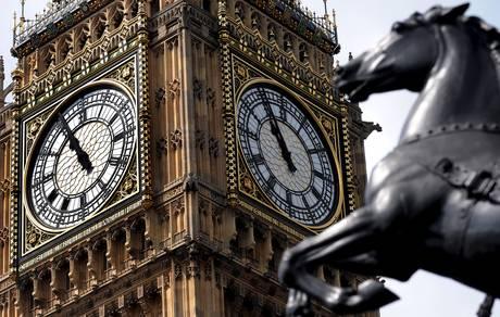 A Londra hanno scoperto che la Torre del Big Ben pende -