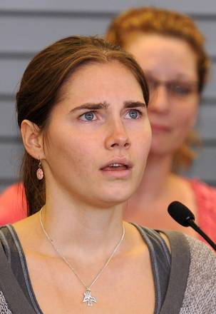 Seattle: Amanda Knox ringrazia in lacrime i suoi sostenitori -