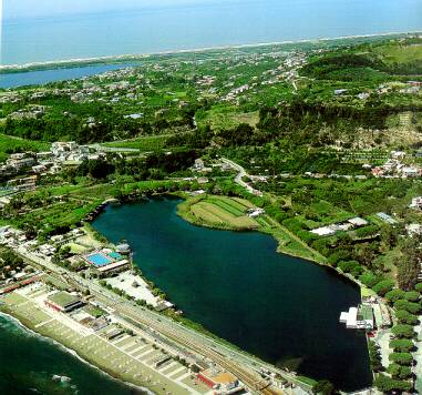 Lago Lucrino Pozzuoli (NA)