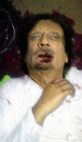 Quando muore un dittatore. Una foto falsa di Gheddafi, diffusa sul web alcuni mesi addietro