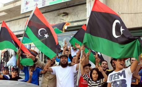 E a Tripoli esplode festa di piazza -
