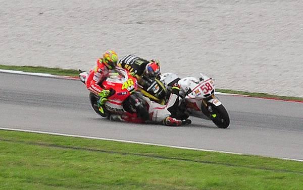 MotoGp: morte in pista in Malesia, tragico schianto per Simoncelli