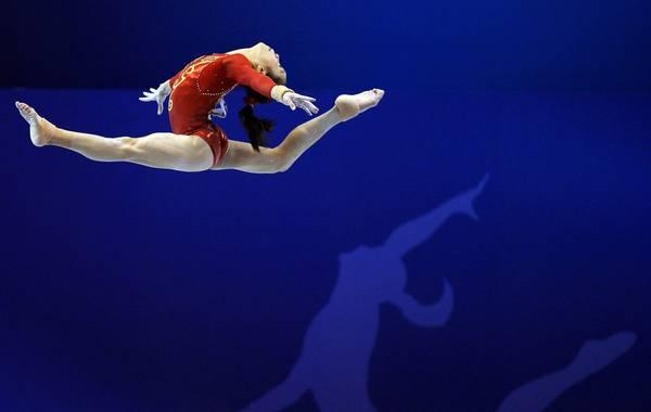 La cinese Yao Jinnan ai campionati mondiali di ginnastica artistica a Tokyo