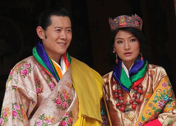 Il piccolo regno del Bhutan celebra il matrimonio del re Jigme Khesar con la giovane Jetsun Pema