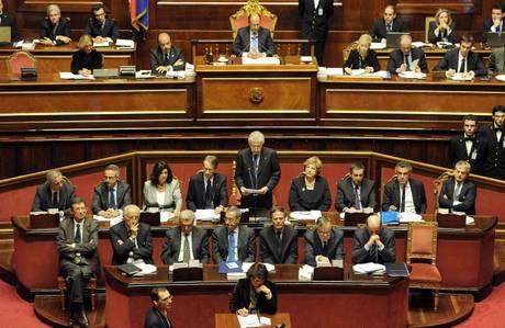 Mario Monti e i ministri a Palazzo Madama