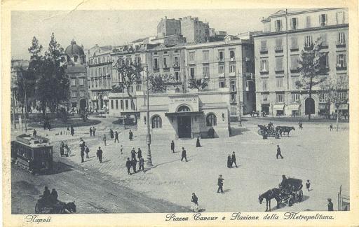 Napoli: Piazza Cavour