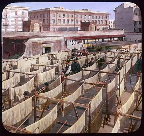 La pasta di essiccazione Gragnano Napoli 1928