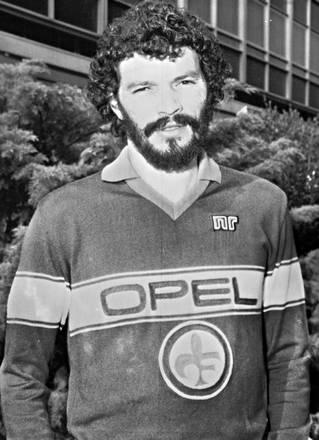 Morto Socrates. Nel 1984, per la prima volta con maglia Fiorentina