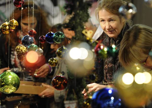 A Zurigo: 'Weihnachts-Sammler-Boerse', il mercato natalizio