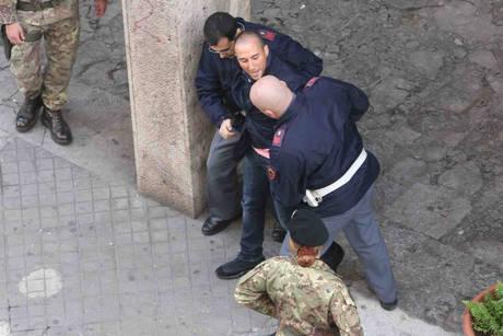 Ore 10.51 rapina in banca a Palermo, arrestati