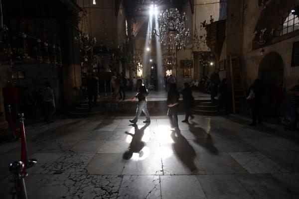 Betlemme -3 a Natale: si visita la Chiesa della Nativita'