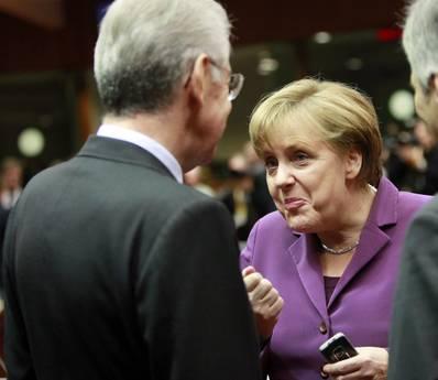 Monti da Merkel: potenziare fondo salva-stati