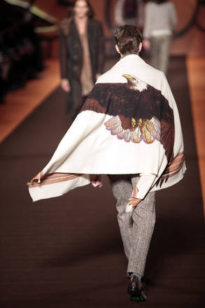 Etro presenta le sue idee per l'autunno-inverno a Milano
